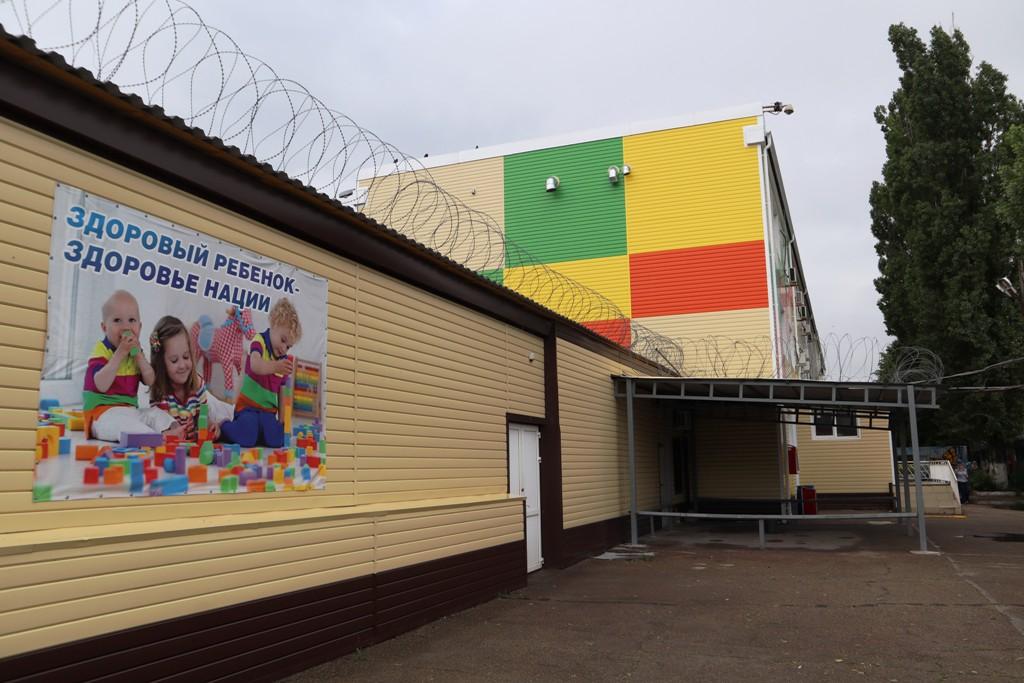 В Доме ребенка при азовской ИК-18 прошел праздничный детский утренник и выставка рисунков