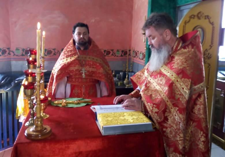 В храме батайской исправительной колонии № 15 прошла Божественная литургия